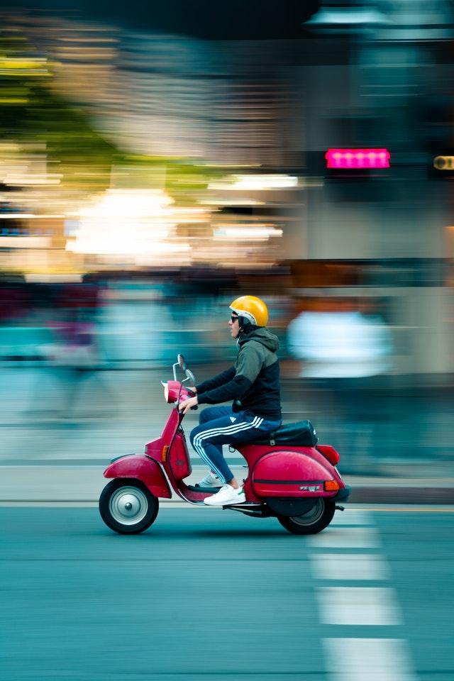 Rouler en scooter